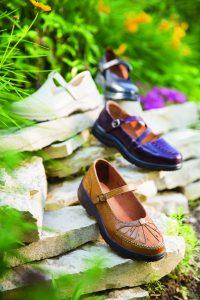 toe box diabetic shoes for women