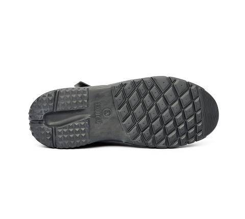 w055:black-Trail Boot-Velcro-2